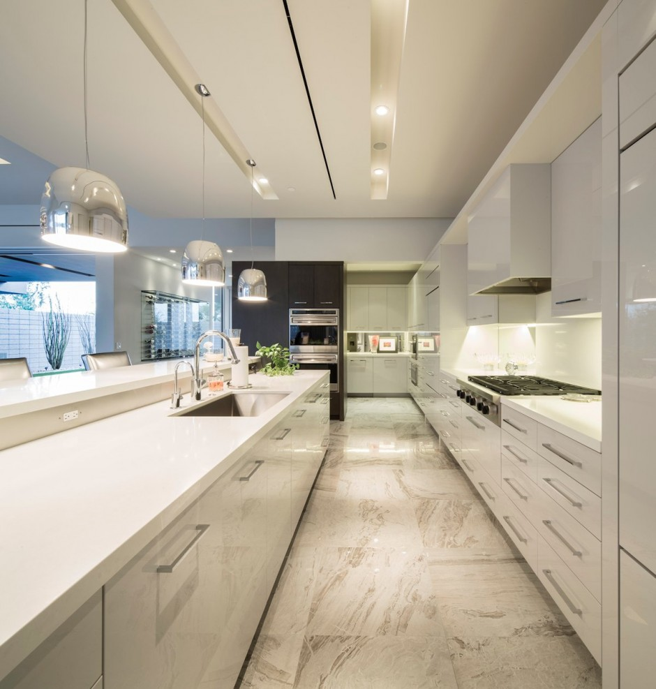 Contemporary Residential Design: the all-white kitchen