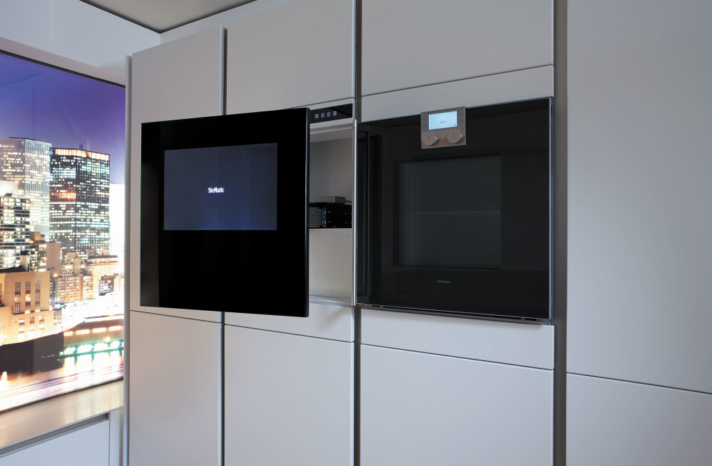 Modern Kitchen Designs: SieMatic multimedia in the kitchen