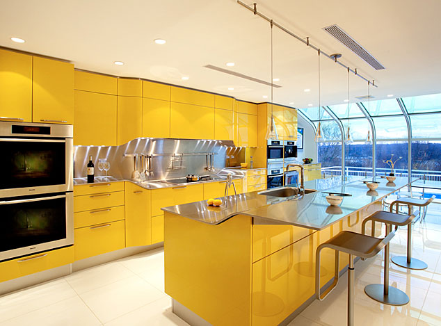 Contemporary Kitchen Design with Color