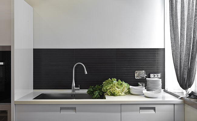 Modern Architecture: Color in the Kitchen