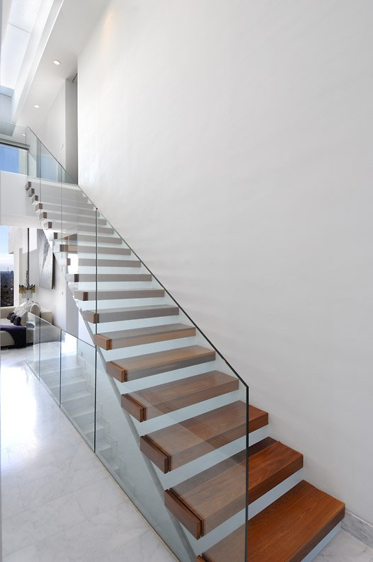 Modern Stair Design: Cantilevered Stairs