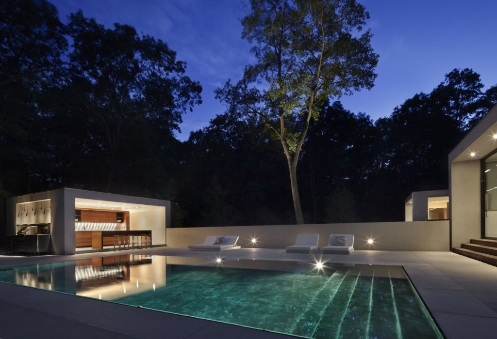 Modern Outdoor Kitchen Design: New Canaan Residence by Specht Harpman