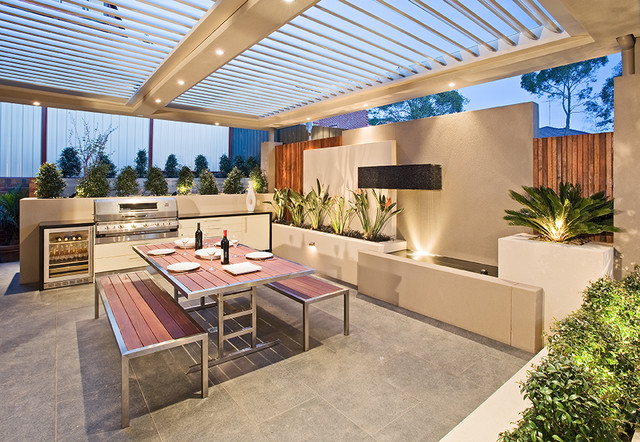 Modern Outdoor Kitchen Design: Creative Outdoor Solutions
