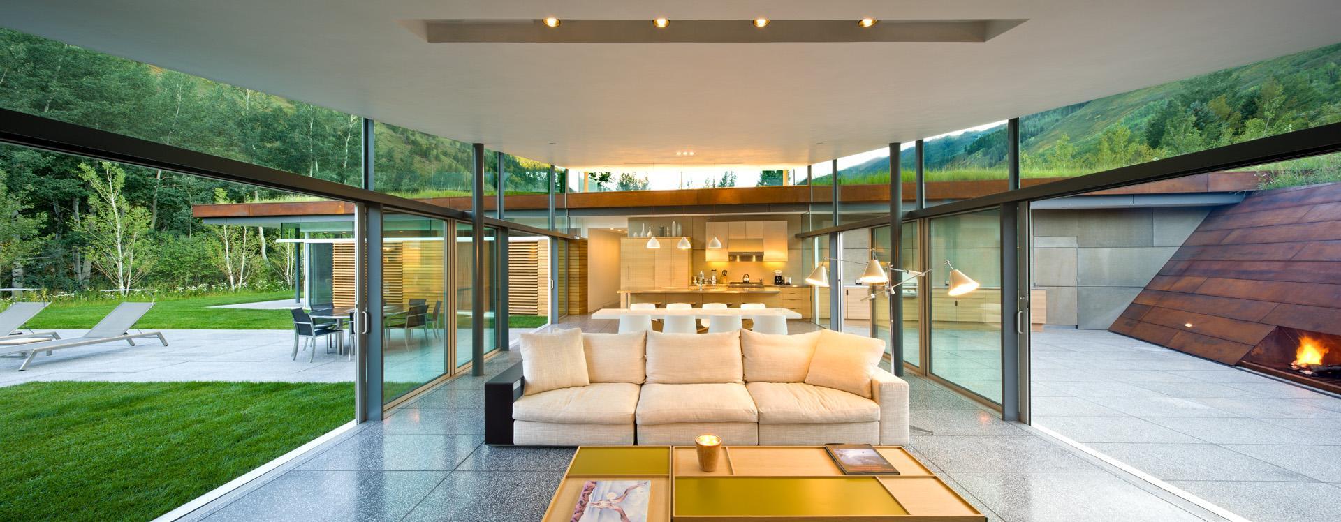 Modern Design Inspiration: 5 Outdoor Fireplaces