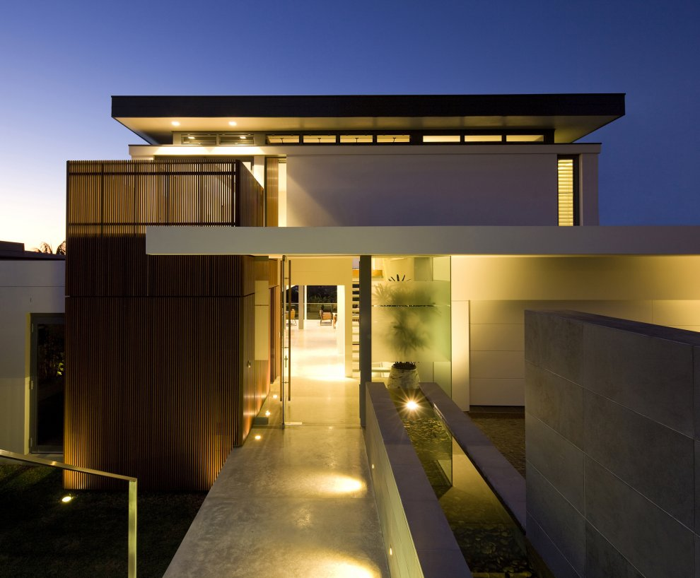 Modern design inspiration 8 exterior entryways studio for Modern exterior house entrance