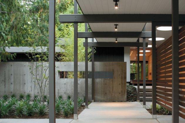 8 Modern Exterior Entryways