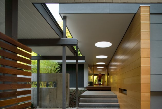 Modern Exterior Entryway - BCJ Architects