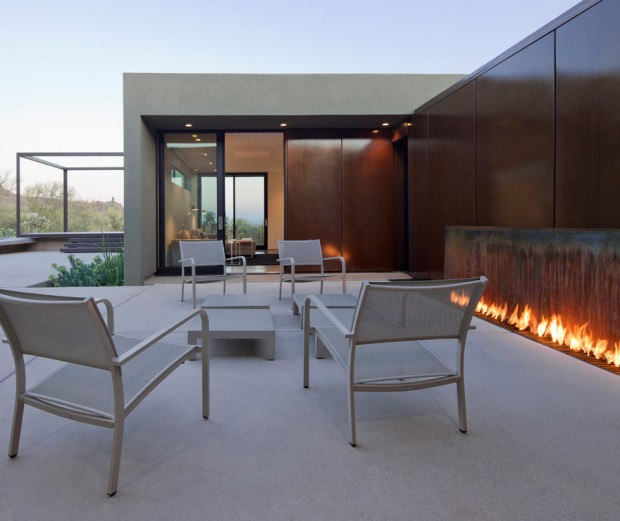 Design Inspiration: Modern Outdoor Fireplaces
