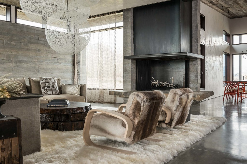 Residential Design Inspiration: Modern Fireplaces