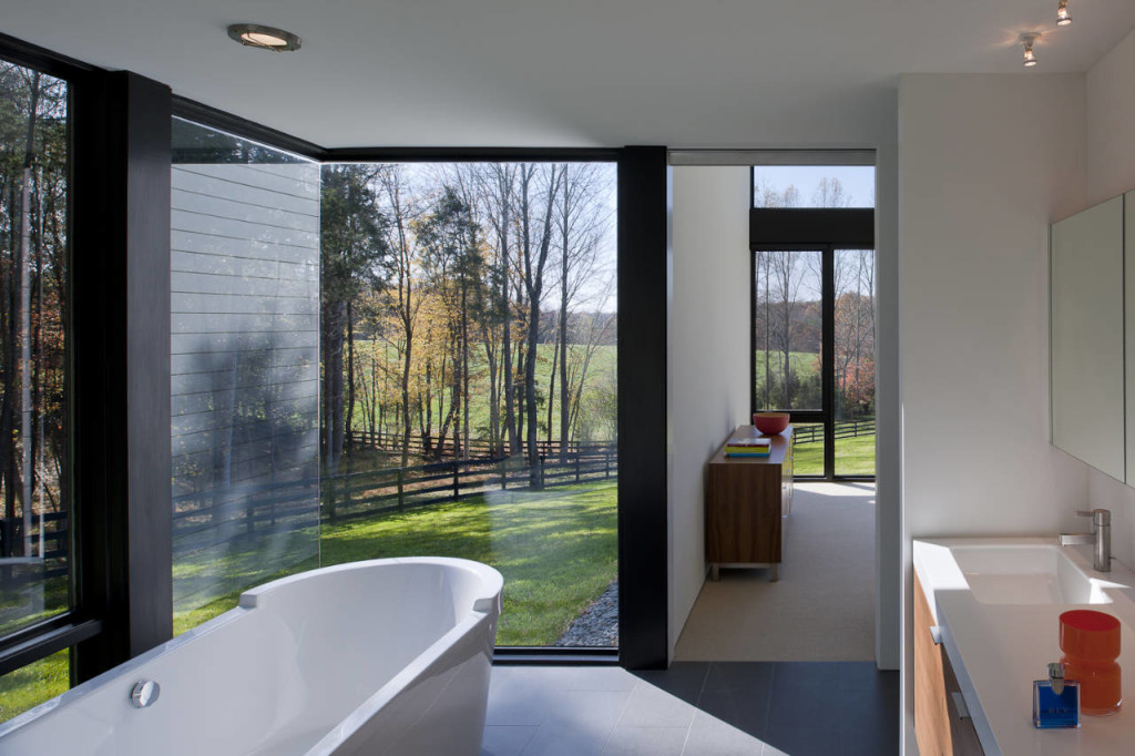 Design Inspiration for a Modern Bathroom: Dark Gray