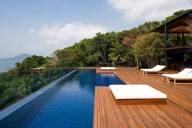 Modern Design Inspiration: Edgeless Pools - Studio Mm Architect