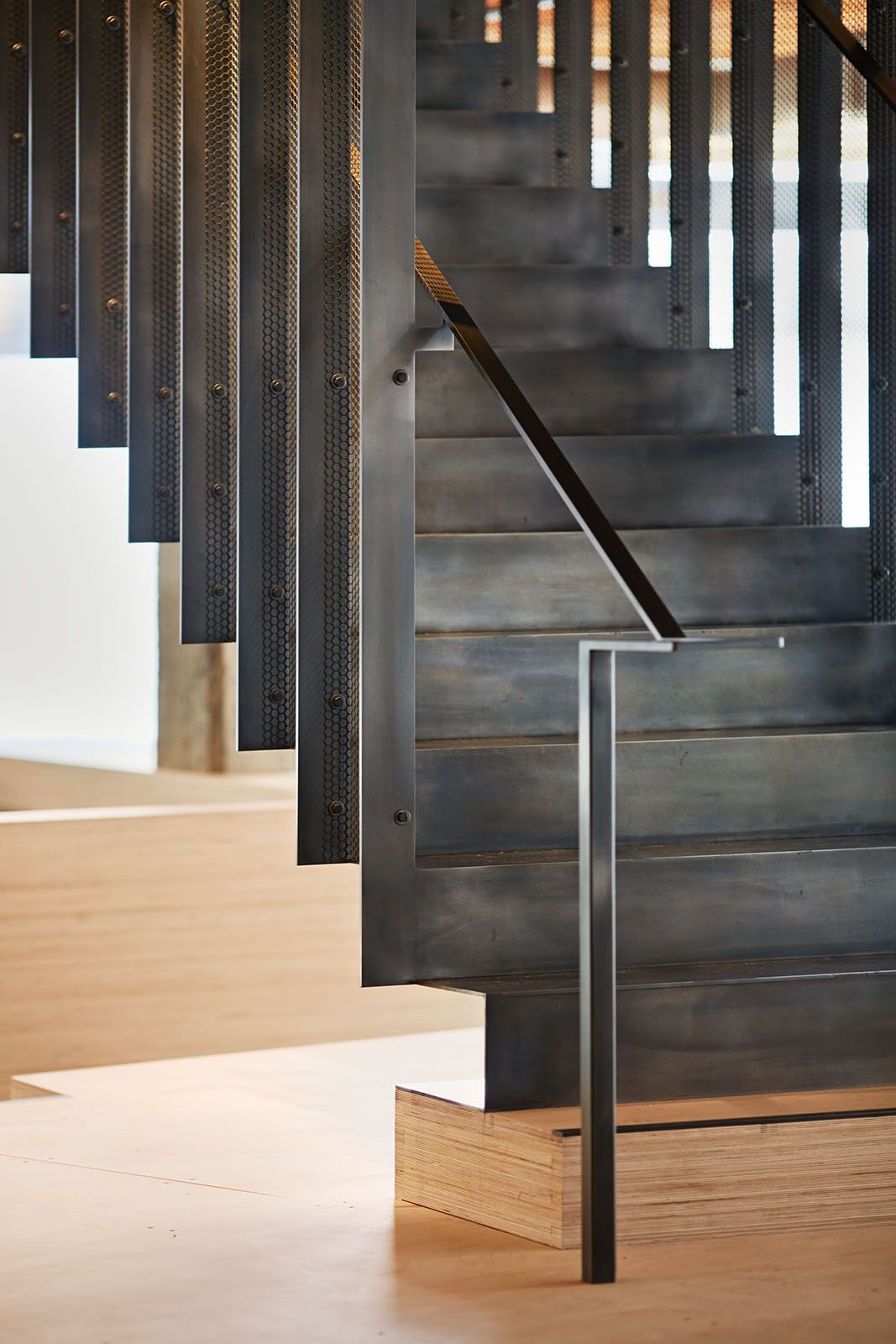 Modern stair design continuous crazy cool studio mm for Architectural stairs