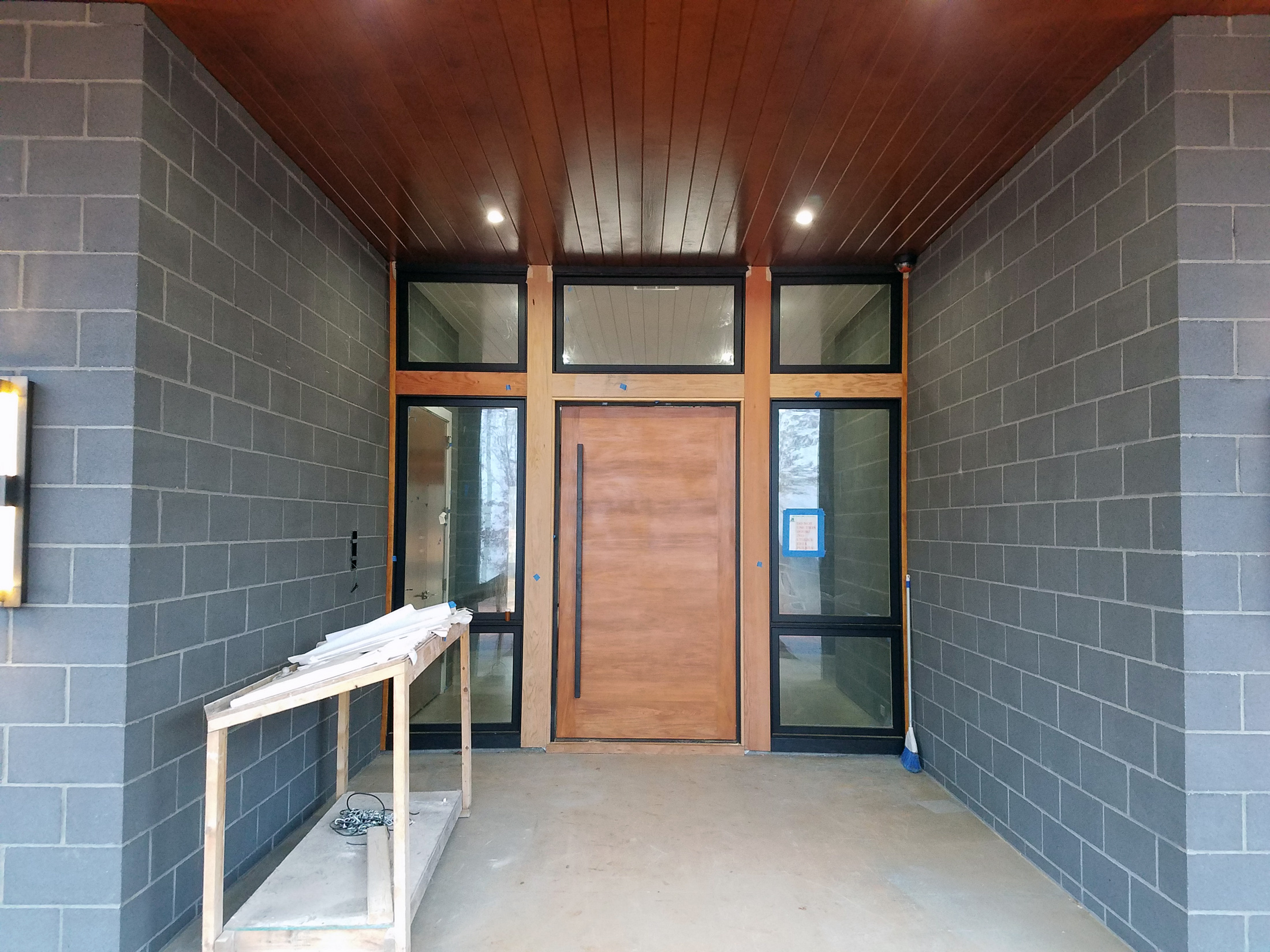 Design is in the Details Modern Entryway & Design is in the Details : Modern Pivot Door - Studio MM Architect