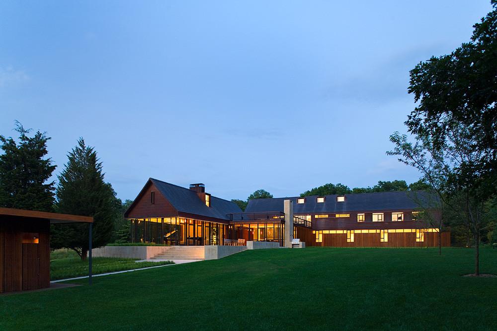 Modern Home Inspiration - Farmhouses