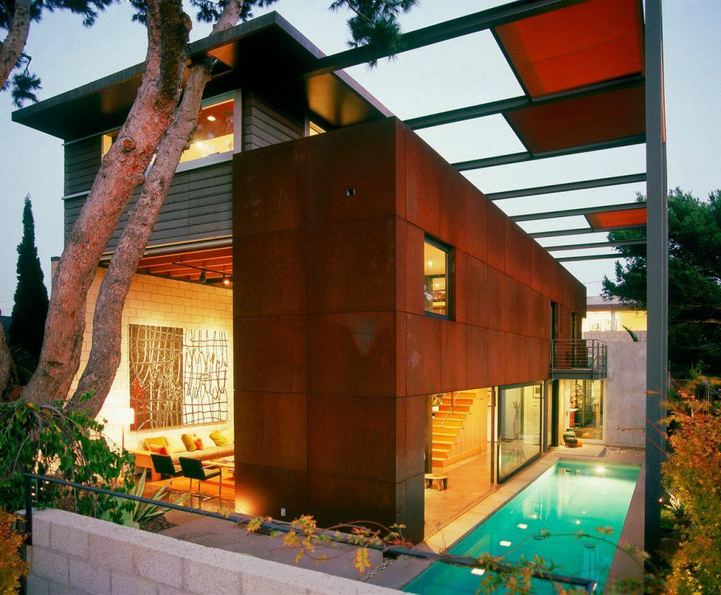 8 Modern Urban Residences