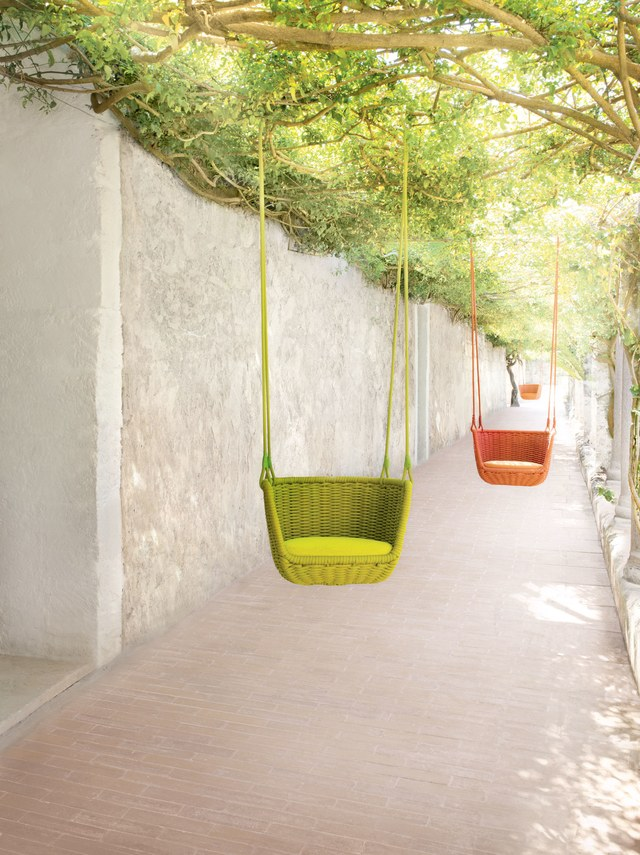 Hanging Chairs - Modern Furniture and Design Inspiration