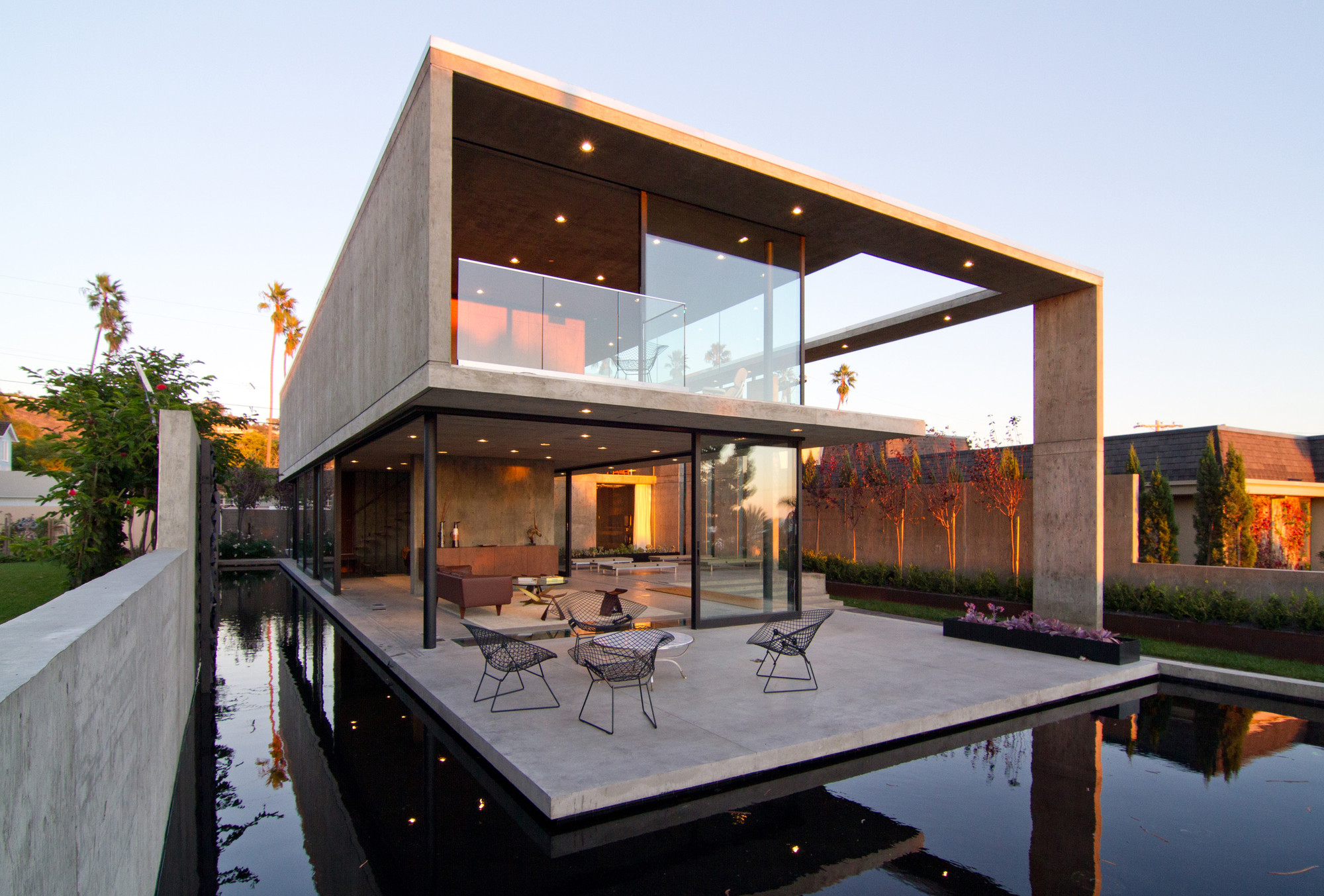 Modern Houses Using Concrete