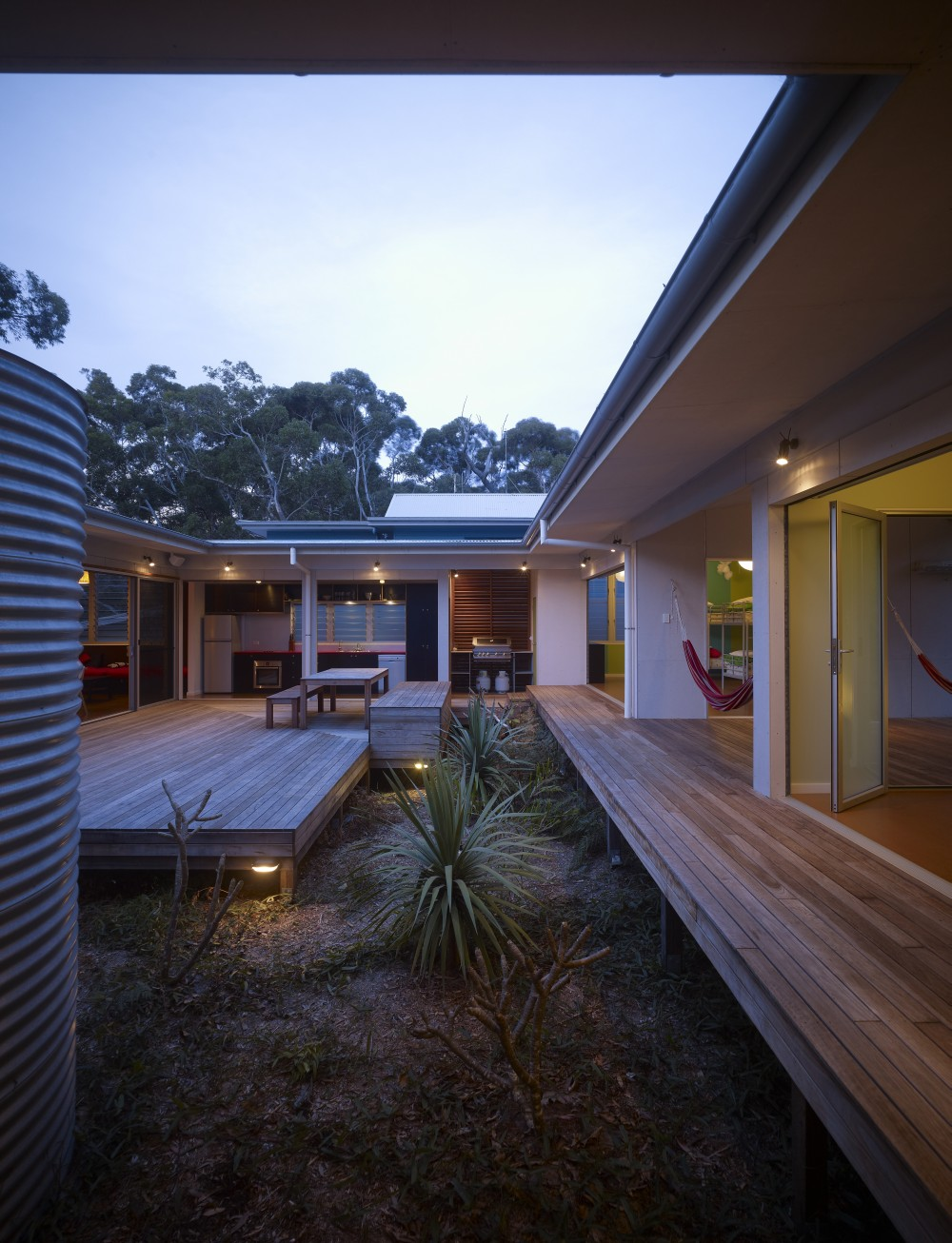 Design Inspiration: The Modern Courtyard House - Studio MM ...