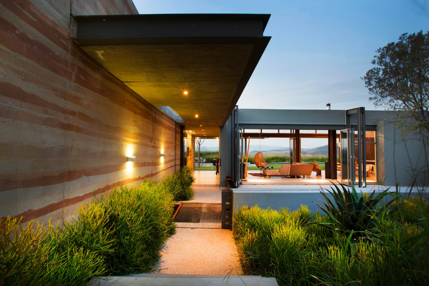 Modern Residential Architecture Inspiration: View Through ... Modern Architecture